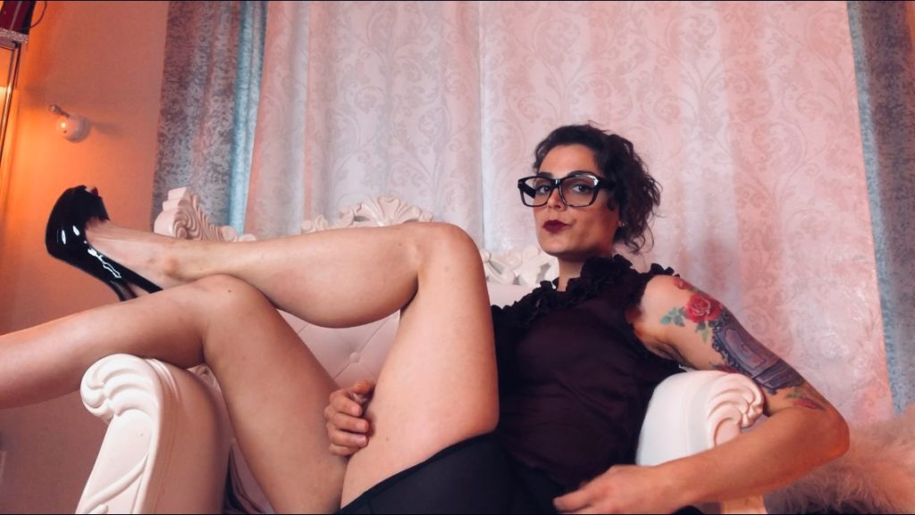 Mistress Pomf roleplays as boss in Florida Dominatrix dungeon.